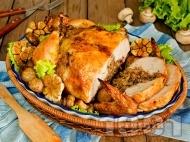 Пълнено пиле с елда и гъби на фурна
